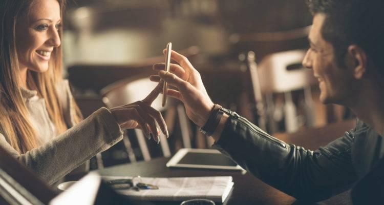 6 Dicas infalíveis para pegar o telefone de qualquer mulher